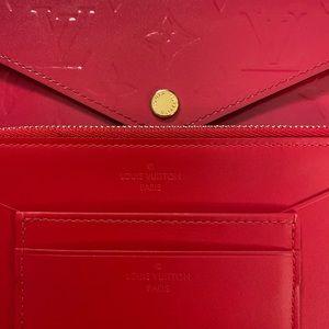 Louis Vuitton Bags - Louis Vuitton Jeanne Wallet Vernis